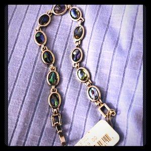 Jewelry - NWT Bracelet jewelry opaque purple blue gorgeous!